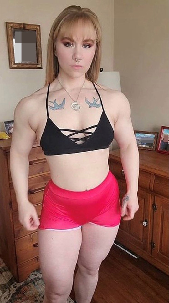 Sara Holda loves her muscular body (PA REAL LIFE/Collect)