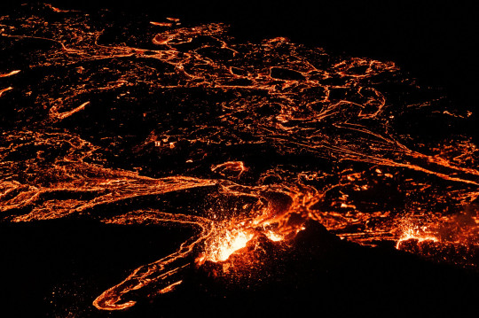 Lava flows from a volcano in Reykjanes Peninsula, Iceland March 20, 2021. Picture taken March 20, 2021. REUTERS/Sigtryggur Johannsson