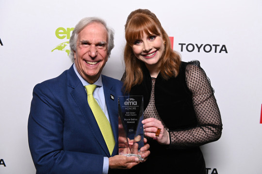 Bryce Dallas Howard and Henry Winkler attend Environmental Media Association 2nd Annual Honors Benefit Gala