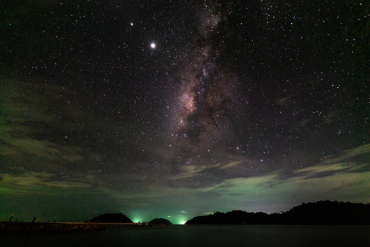 Night Sky at Ko Chang (Koh Chang) - Milky Way by the Sea with Saturn and Jupiter beside.