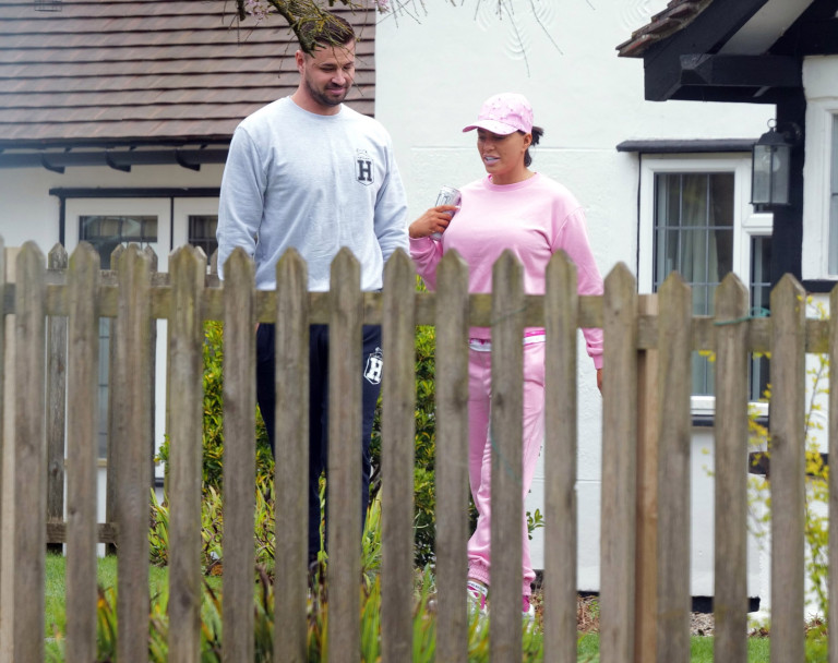 Katie Price and Carl Woods house hunting