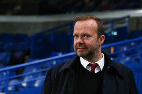 Ed Woodward looks on during Manchester United's clash with Chelsea