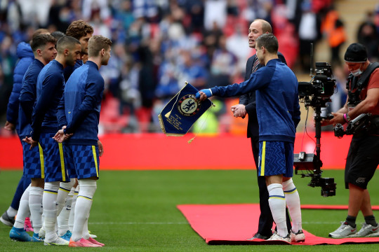 Cesar Azpilicueta exchanged the pennant after the Chelsea player met Prince William