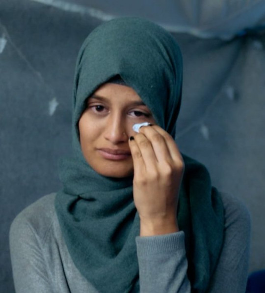 Shamima Begum broke down while talking about the death of her three children from a refugee camp in Syria