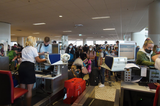 Check-in staff were kept on their toes in Faro this weekend as an onslaught of British travellers decided to fly home before stricter restrictions come into force on Tuesday