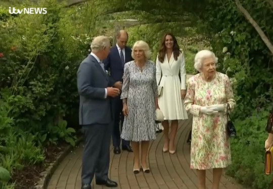Royals and G7 leaders arrive at Eden project