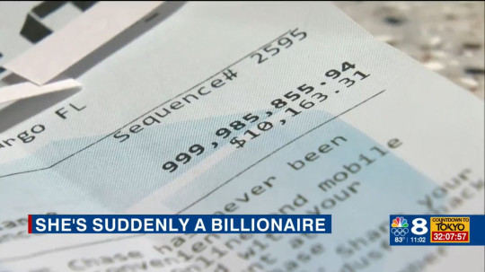 9711349 Florida woman finds $1BILLION has been deposited in her bank account - and says no one at Chase is returning her calls to give it back