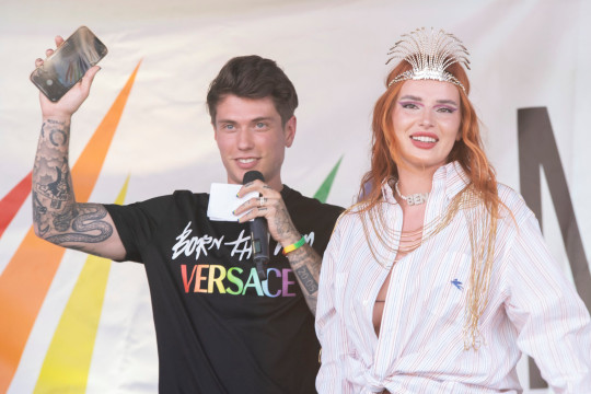 Superstar Bella Thorne and her fiance, musician Benjamin Mascolo, made a surprise appearance at the Italian gay pride in Milano