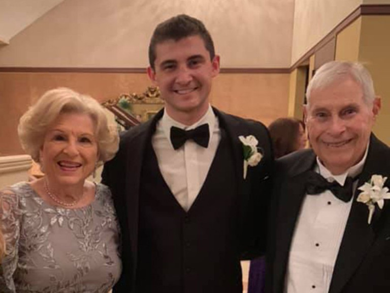 Grandson of elderly couple missing in Miami building collapse receives multiple eerie calls from their landline Facebook|AP