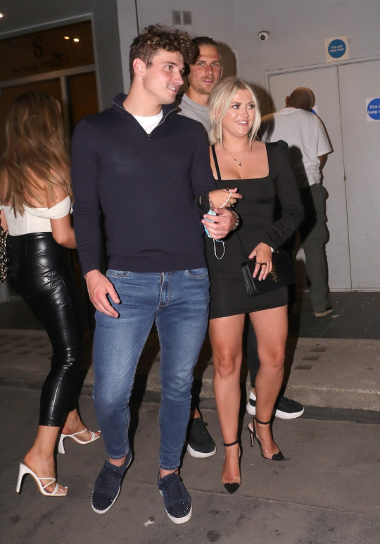 BGUK_2145518 - London, UNITED KINGDOM - Lucy Fallon, Ryan Ledson leaving MNKY HSE after a double date with friends Pictured: Lucy Fallon, Ryan Ledson BACKGRID UK 10 JUNE 2021 UK: +44 208 344 2007 / uksales@backgrid.com USA: +1 310 798 9111 / usasales@backgrid.com *UK Clients - Pictures Containing Children Please Pixelate Face Prior To Publication*