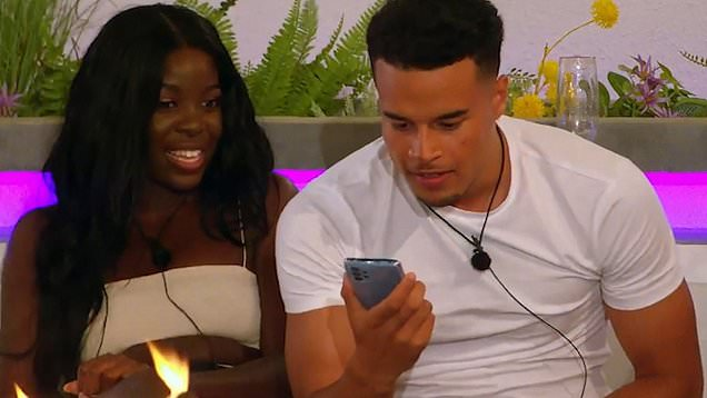 Bombshell Chloe teases Love Island entrance with sultry voice note