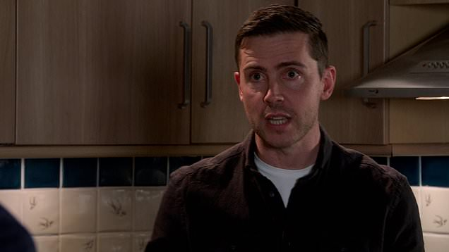 Corrie: Todd gets another threatening text