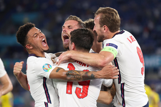 Jordan Henderson of England celebrates with Jadon Sancho, Mason Mount and Harry Kane after scoring their side's fourth goal during the UEFA Euro 2020 Championship Quarter-final match between Ukraine and England at Olimpico Stadium on July 03, 2021 in Rome, Italy