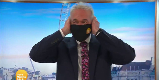Dr Hilary Jones covered his ears during bagpipe performance on Good Morning Britain