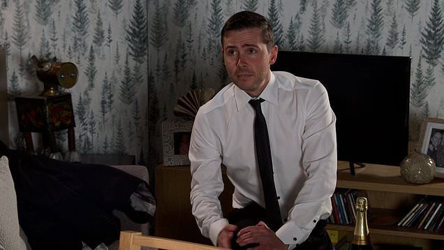 Corrie: Todd goes down on one knee