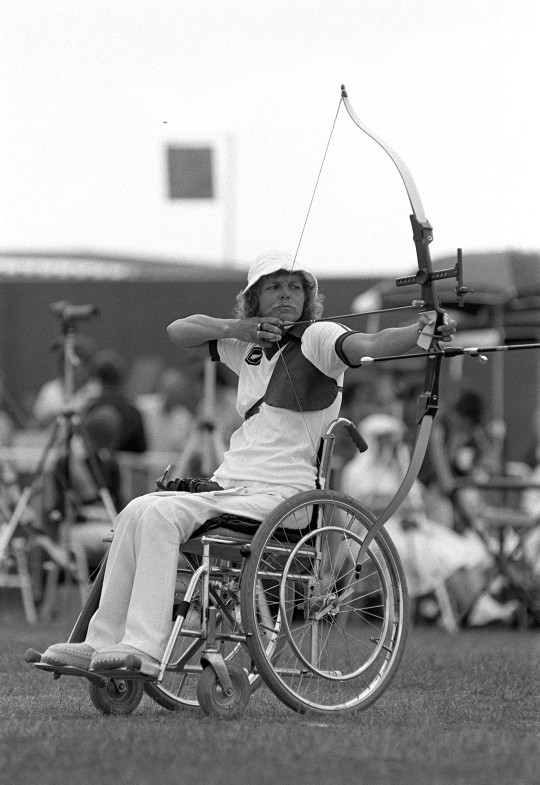 1982 Commonwealth Games. Archery. Brisbane, Australia. New Zealand's Neroli Fairhall, who went on to win the Gold medal.