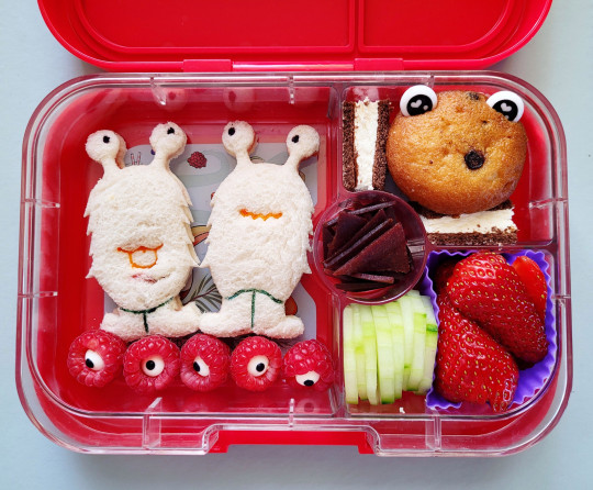 Some alien sandwiches with healthy snacks