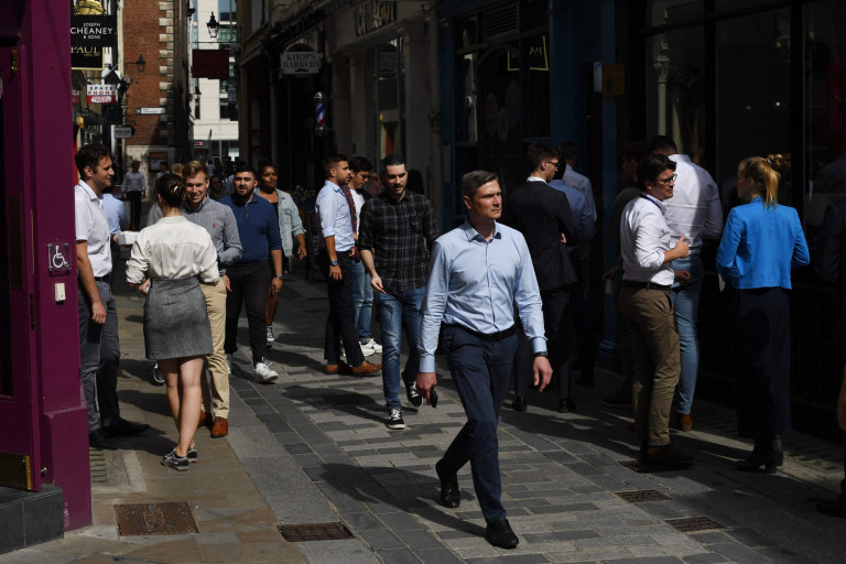 Office workers queue for food at eating establishments in London on September 6, 2021. (Photo by DANIEL LEAL-OLIVAS / AFP) (Photo by DANIEL LEAL-OLIVAS/AFP via Getty Images)