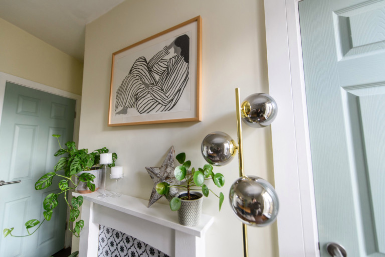 What I Rent, Hannah, £875 for a two-bedroom house in York: print and plants in bedroom