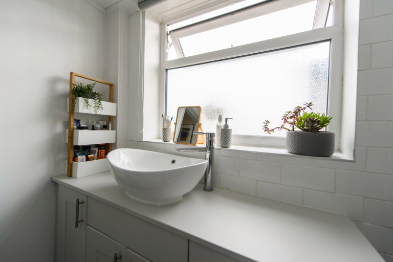 What I Rent, Hannah, £875 for a two-bedroom house in York: bathroom