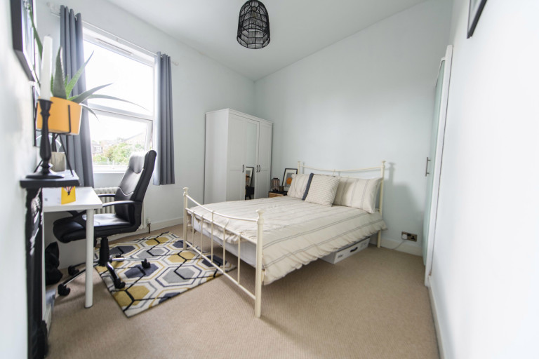 What I Rent, Hannah, £875 for a two-bedroom house in York: second bedroom with desk office space