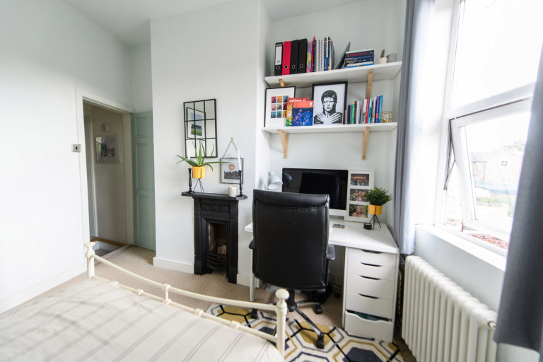 What I Rent, Hannah, £875 for a two-bedroom house in York: bedroom desk space